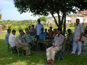 バングラディシュ(全員が、写真におさまってくれました。)